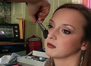Backstage - Make-up session Teasing 6